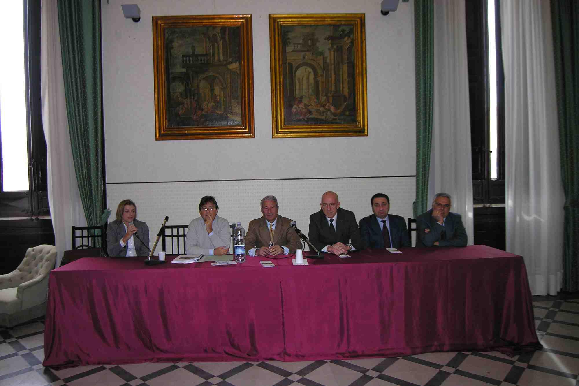 Trapani presentato il progetto di restauro della fontana for Fontana arredi valderice