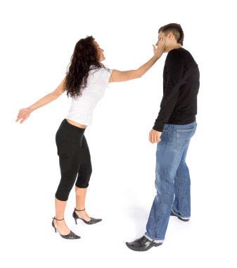 Valderice, picchiava il marito: allontanata da casa