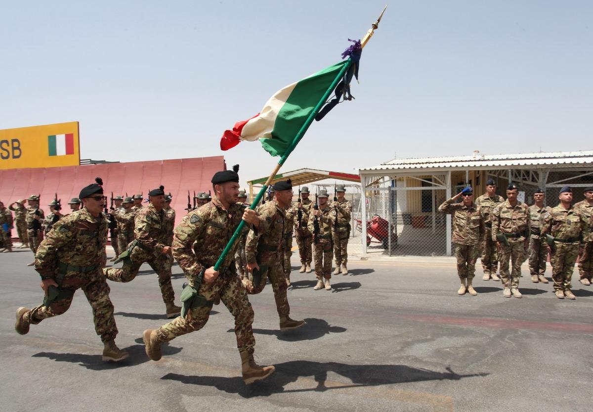 Perch i comuni stanno formando le liste di leva for Bandiera di guerra italiana