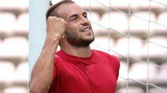 [Calcio] Il bomber campobellese Davis Curiale approda al Catania