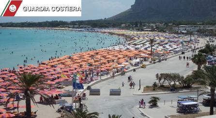 [UN POSTO AL SOLE] San Vito, più controlli in spiaggia: agenti in costume fra i bagnanti