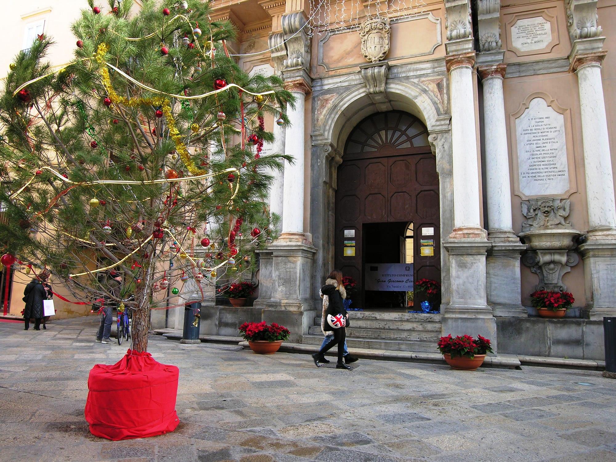 [Natale 2015] Gli auguri dei sindaci di Trapani e Favignana