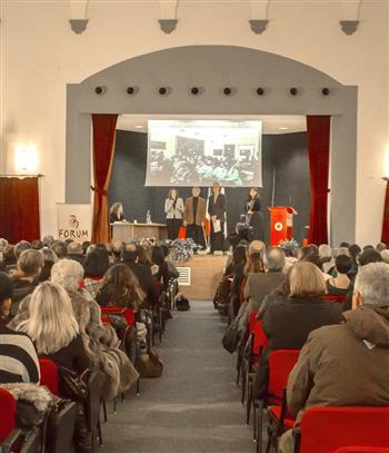 """""""Formica d'oro"""" a don Patriciello e Giusy Nicolini: esempi positivi d'impegno sociale"""