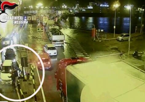 Messina, Rapiscono un pasticciere a Pomezia: Carabinieri bloccano e arrestano otto catanesi [FOTO e VIDEO]