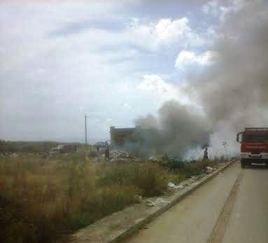 Campobello, Cava sulla circonvallazione in fiamme