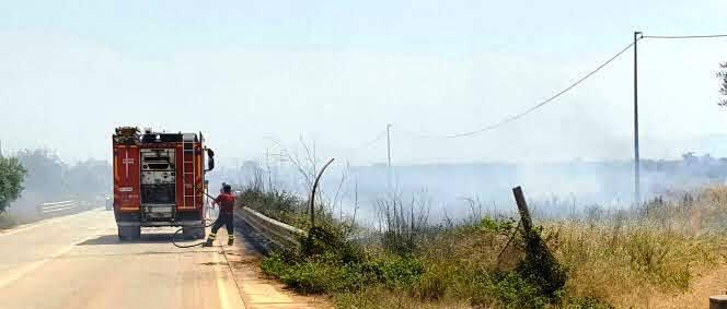Campobello, Incendio sulla provinciale per Torretta Granitola