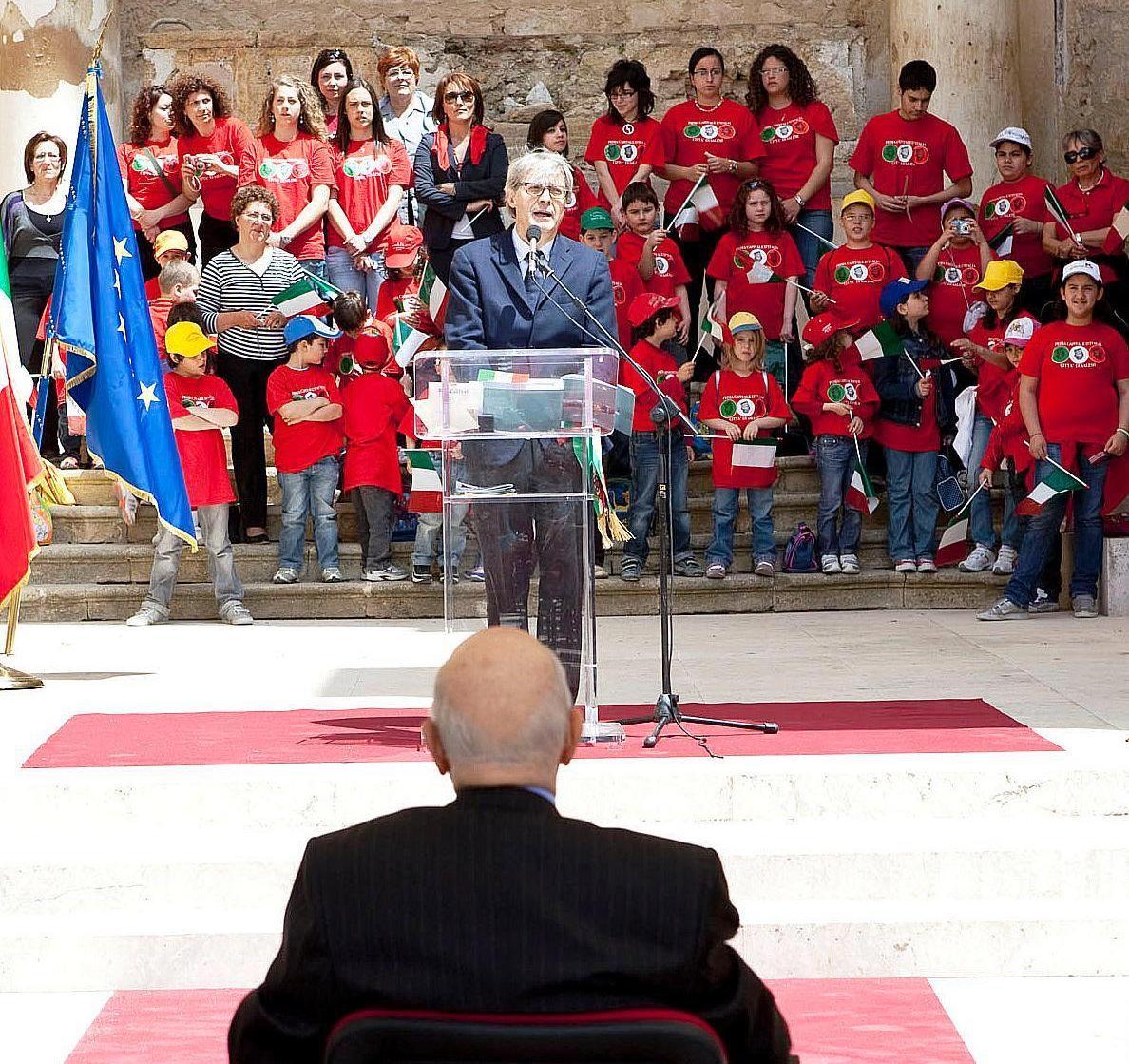 Maturità, una delle tracce riporta parte del discorso  tenuto da Vittorio Sgarbi nel 2010 a Salemi  per le celebrazioni del 150° anniversario dell'Unità d'Italia