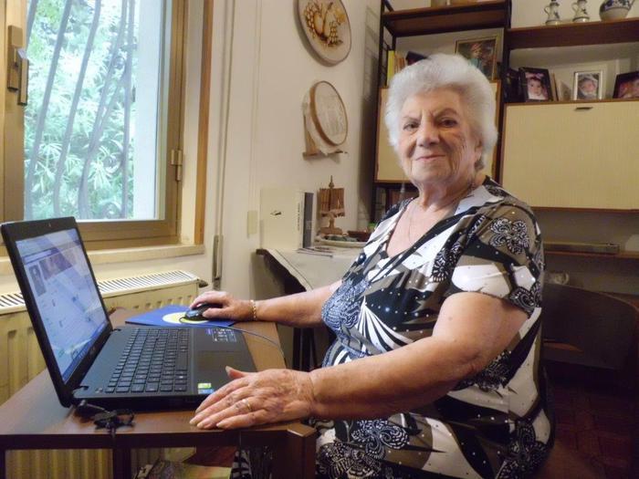 Salemi: A 98 anni scopre facebook, un bel mondo