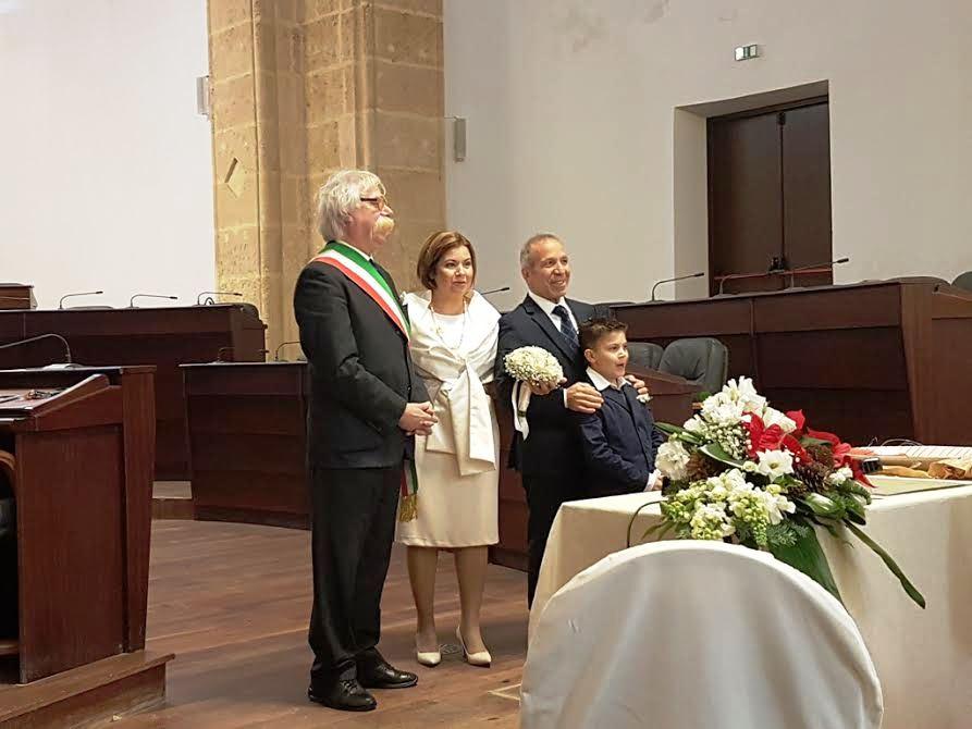 Matrimonio Civile Natale : Mazara matrimonio civile per l attore natale russo e
