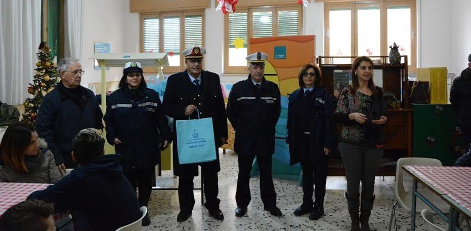 Mazara, Il Comando della Polizia Municipale anticipa la Befana