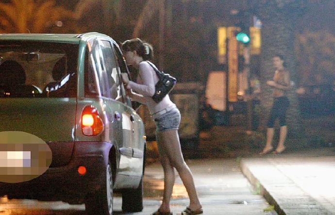 Catania, «Pronta ordinanza antiprostituzione»