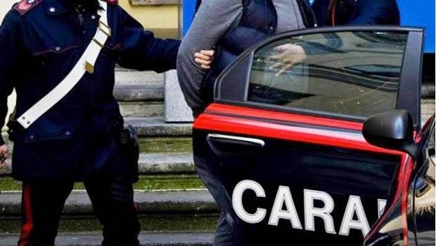 Un lituano e due ucraini arrestati per estorsione a connazionali