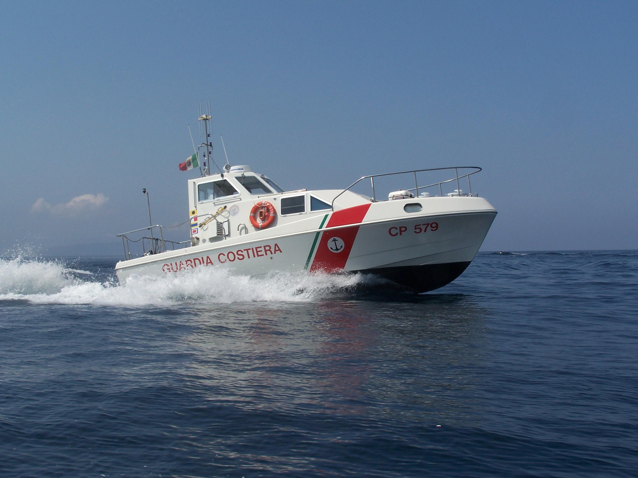 [Guardia Costiera] Trapani. Pesca di frodo:  sequestrati 500 ricci di mare