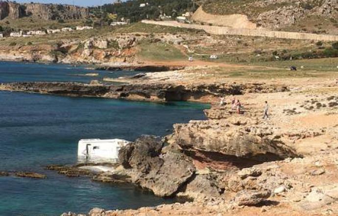 San Vito Lo Capo, turista muore trascinato in mare da camper