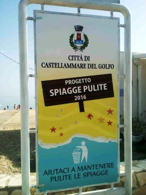 """Castellammare del G.. Pubblicato il bando """"spiagge pulite"""": la pulizia affidata a 44 cittadini disoccupati."""