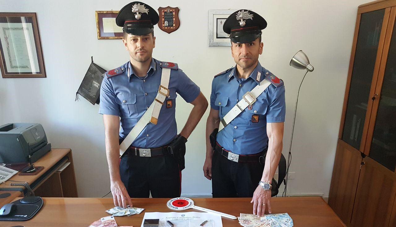 Castellammare del Golfo:  Arrestati  dai carabinieri in due distinte operazioni, due uomini per spaccio di stupefacenti