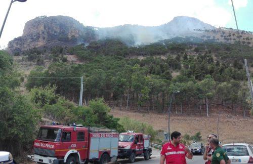 Castellammare del G. – Il sindaco traccia un primo bilancio dell'incendio di ieri su monte Inici.