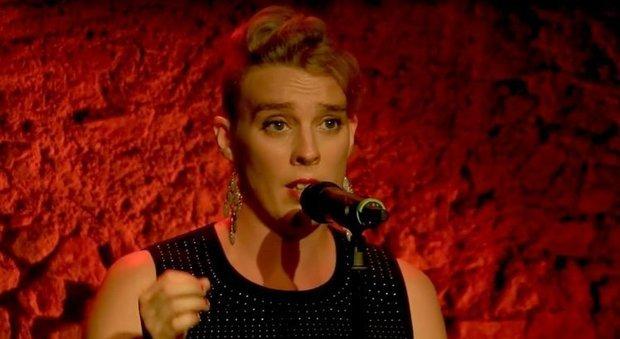 Barbara Weldens è morta folgorata sul palco