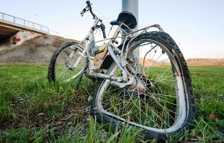 Caserta, in moto drogato investe e uccide un ciclista: arrestato