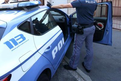 """Marsala. Coppia di marsalesi, """"beccata"""" dalla polizia mentre cede dosi di eroina"""
