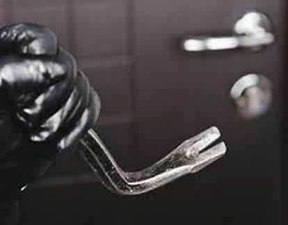 Castelvetrano, casa svaligiata dai ladri: proprietario 65enne si sente male e muore