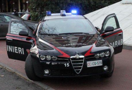 Carabinieri di Giugliano, caccia al latitante fino a Formia: sparatoria con ferito