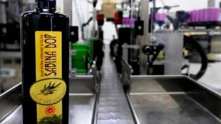 """""""L'olio spagnolo il migliore al mondo"""". E il consorzio italiano fa causa all'Ue"""